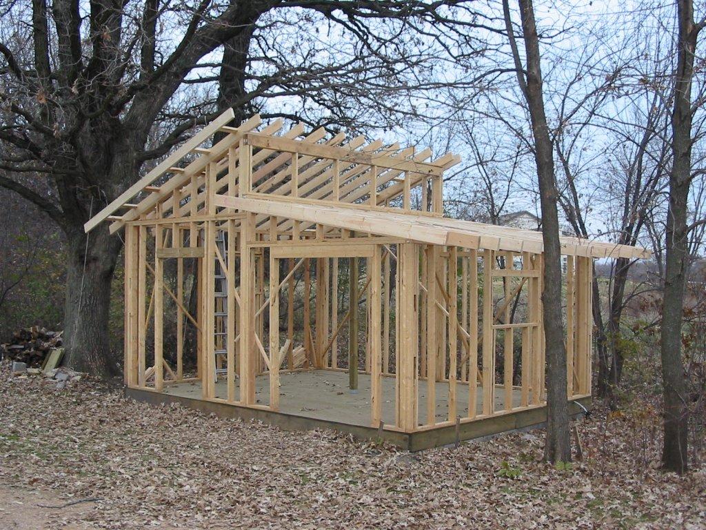 Как построить сарай с двускатной крышей своими руками