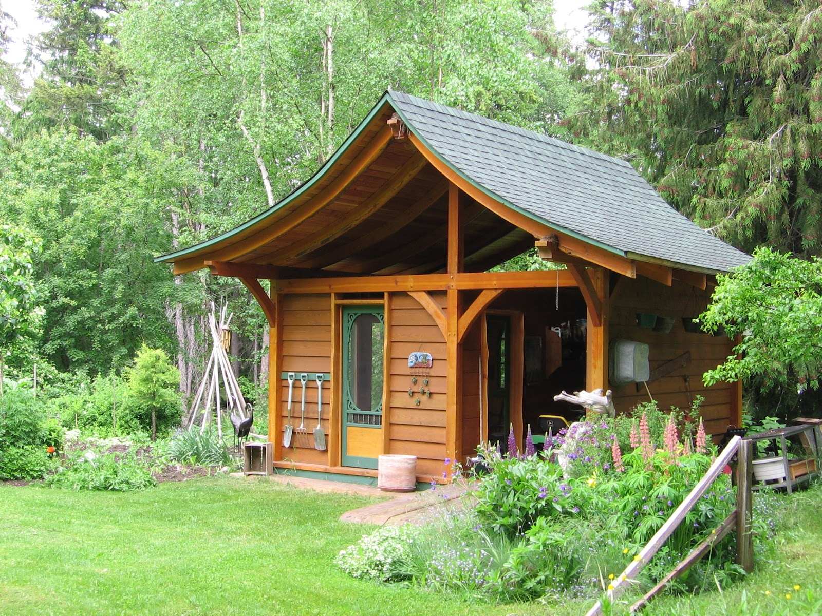 Backyard garden shed queries you needto remedy before for Garden design new build house