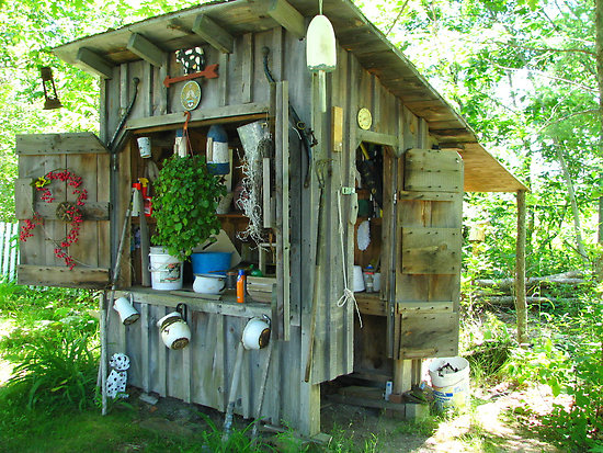 Superieur Downloading A Gold Mine Of Shed Plans, Schematics, Woodworking Courses  Materials And Home Building Lessons. Backyard Garden Shed Downloading A  Gold Mine Of ...