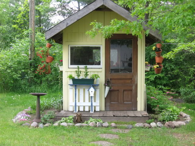 Cottage garden sheds potted plants for all seasons for Garden shed small