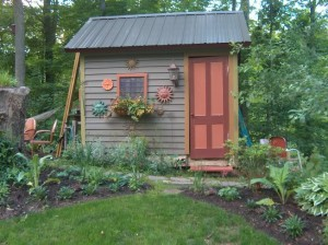 Cottage garden sheds potted plants for all seasons for English garden shed designs