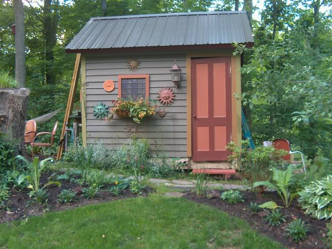 Cottage garden sheds potted plants for all seasons - Garden storage shed ideas ...