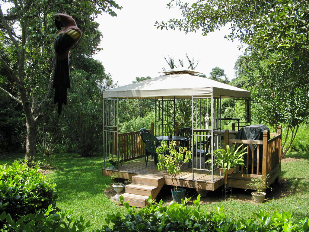 Gazebo garden shed plans building wood sheds for Backyard planting designs