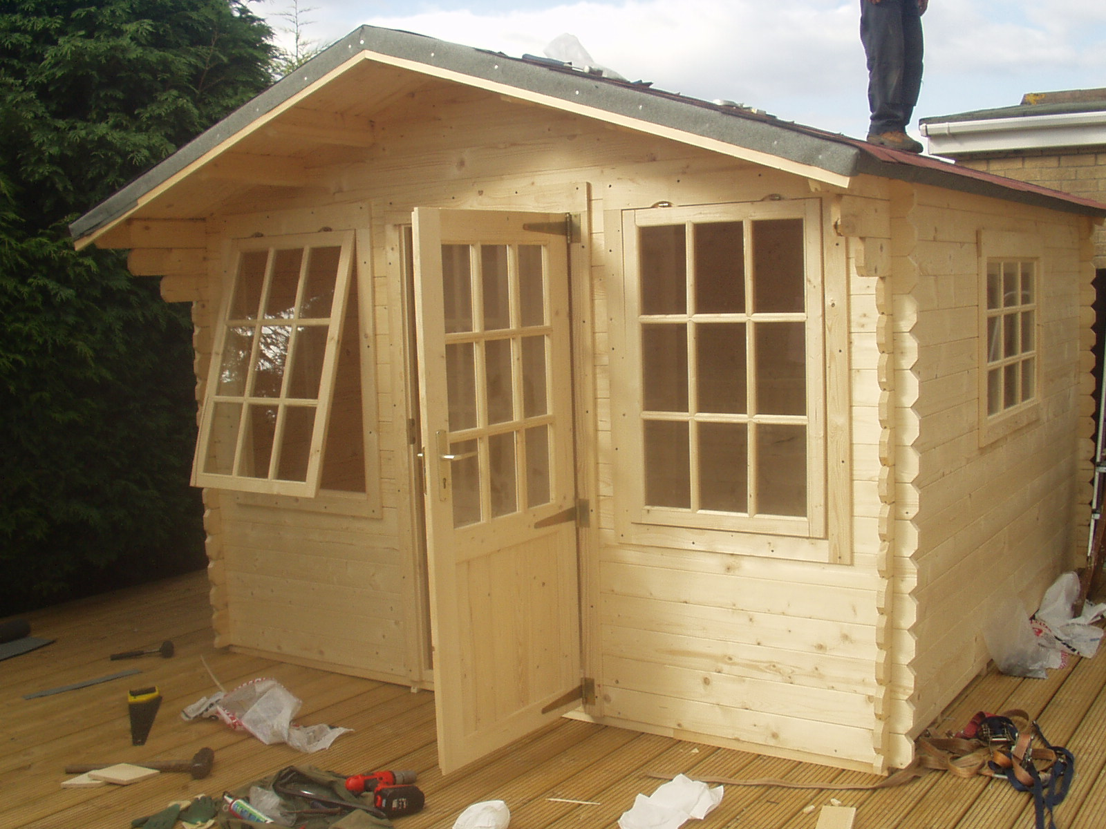 Shed diy build backyard sheds has your free tool shed for Potting shed plans diy blueprints